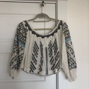 FREE PEOPLE // OFF-SHOULDER EMBROIDERED BLOUSE